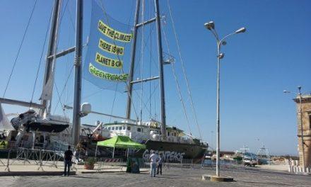 Sblocca Italia: primo sì alla Camera. La protesta di Greenpeace.