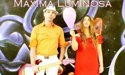 Maxima Luminosa, elettro pop/rock originale e una voce che seduce