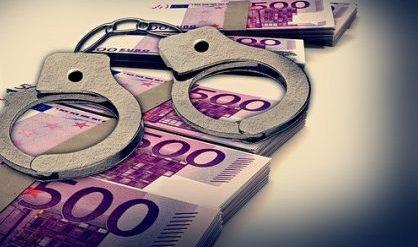 Corruzione, inchiesta a Napoli sui bandi per la pulizia in un ospedale