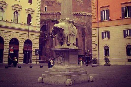 L'elefante del Bernini e l'idiozia dei vandali