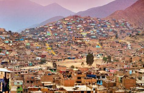 Lima: l'inferno, il silenzio e le isole d'onestà