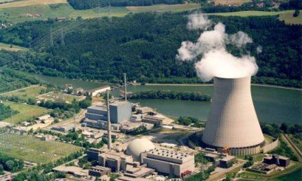 Svizzera, referendum boccia l'uscita accelerata dal nucleare