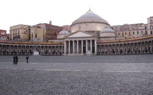 Napoli: la droga, le chiacchiere e l'inferno dei bambini
