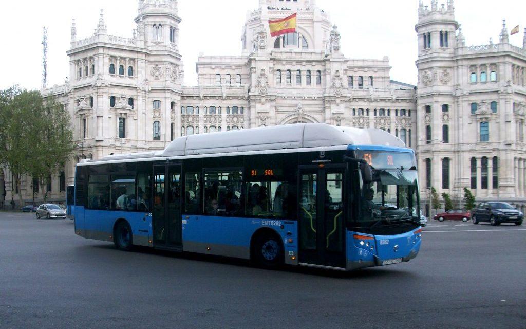 Mobilità sostenibile: a Madrid i bus con i giardini sui tetti