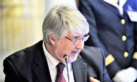 Il masochismo senza fine del ministro Poletti