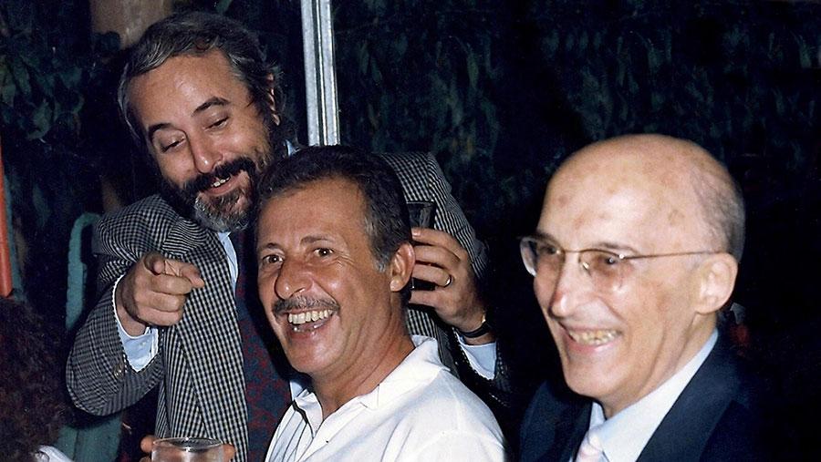 I due volti di Palermo: gli oltraggi a Falcone e la condanna collettiva