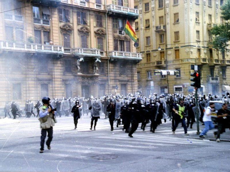 Il G8 di Genova e il massacro di una generazione