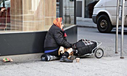 La moderna e feroce guerra ai poveri