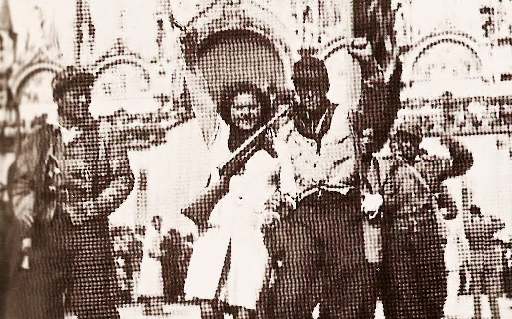 25 aprile: il ponte e il fiore del Partigiano