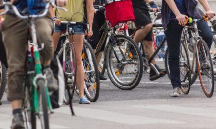 Più veloci e meno esposti allo smog: i ciclisti sono i pendolari più sani