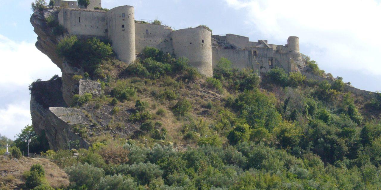 """Il castello di Roccascalegna e """"Il nome della rosa"""""""