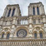 No, non è morto nessuno, ma Notre-Dame deve rinascere