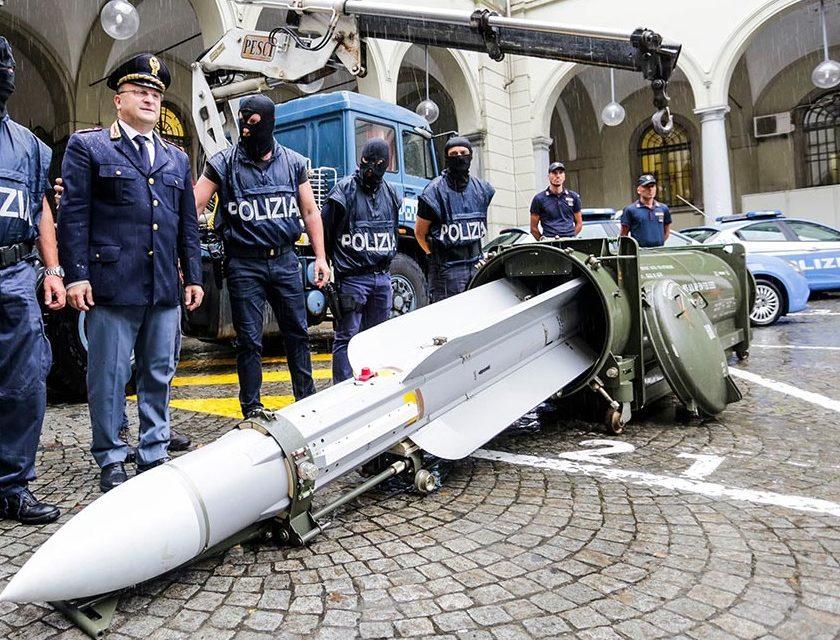 I missili, la minaccia neofascista e la sicurezza che non c'è