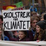 Il fantoccio impiccato di Greta Thunberg e la banalità del male