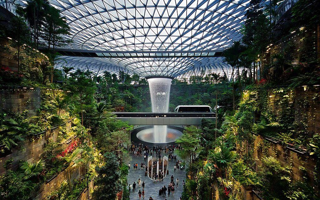 Singapore: una splendida e avveniristica oasi green dentro l'aeroporto