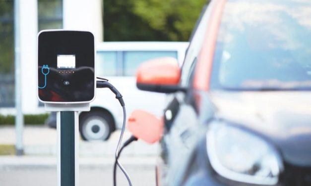 Cresce il mercato delle auto elettriche: l'Europa corre più veloce del colosso cinese