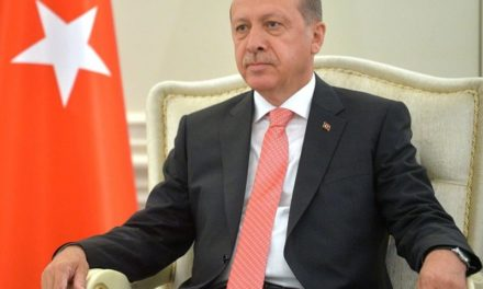 """In Turchia, l'urlo delle donne a Erdogan: """"Ritira la decisione, applica la Convenzione!"""""""